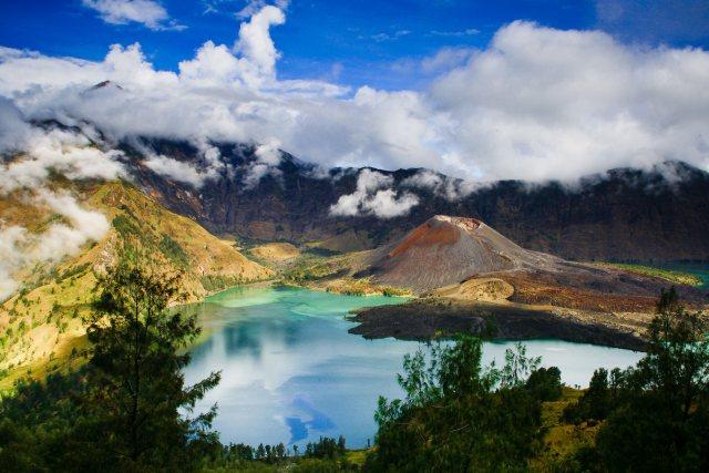 Mt Rinjani Volcano Trekking Tour from Lombok